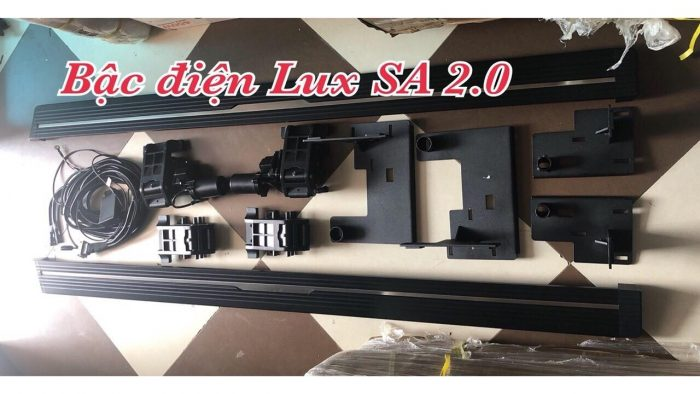 Lắp bậc bước chân điện VinFast Lux SA 2.0
