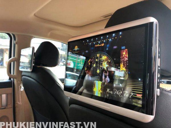 lắp màn hình gối cho VinFast